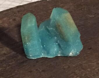 Crystal shaped orgone generator