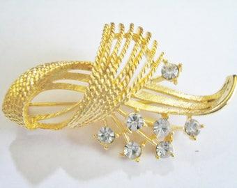 Gold Tone Pin w/ Clear Rhinestones