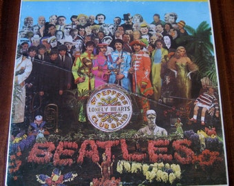 SGT. Peppers Lonely Hearts Club Band by The Beatles Vintage Vinyl LP VG 1967 W/ Poster!