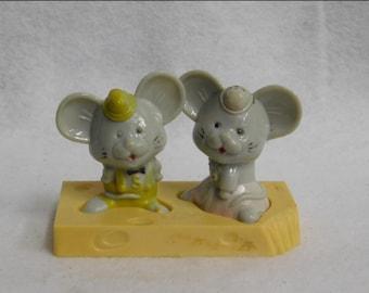 Vintage Plastic Mice on Cheese Salt and Pepper Shake Set