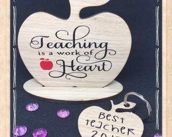 Teacher oak veneer freestanding desk apple and keychain gift set