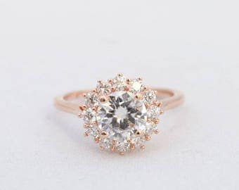 Round Halo Engament Ring, Round Moissanite Ring, Diamond Halo Ring, Engagement Ring, Diamond ring, Wedding Ring