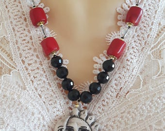 Caltagirone ceramics, Onyx and Red coral necklace
