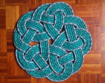 Teal and blue rosette mat