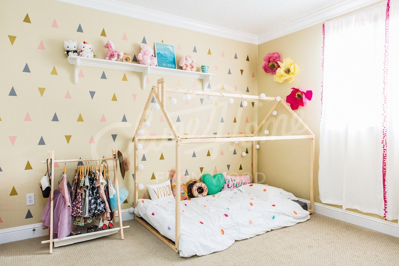lit pour enfant en bas ge cadre de lit maison 160 x 70 80. Black Bedroom Furniture Sets. Home Design Ideas