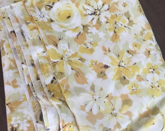 Vintage yellow mod floral full sheet, free shipping !