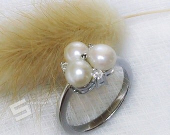 Delicate White Pearls Cluster Ring, AAA Grade Freshwater Pearls In Sterling Silver Ring, Dainty Pearls & 925 Silver Ring, Promise Pearl Ring
