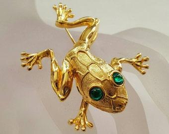 Green Eyed Frog Pin