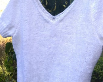 Short sleeves white sweater size S (38/40)