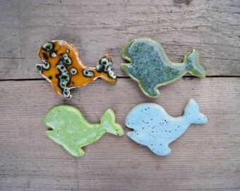 Whale magnet, ceramic whale, Turquoise whale, whale fridge magnet, ceramic whale magnet, sea gift, green whale, marine mammal, wild animal