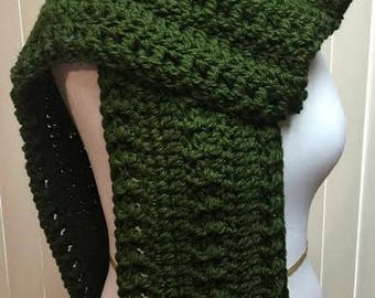 Dark Green Crochet Scarf, Wide Scarf, Forest Green Scarf, Chunky Scarf, Open End Scarf, Green Crochet Scarf, Crocheted Scarf, Winter Scarf