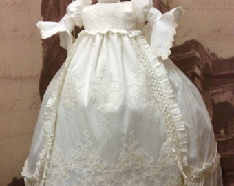 Christening Heirloom gown with bonnet-baptism-Royal gown-Charles and Diana