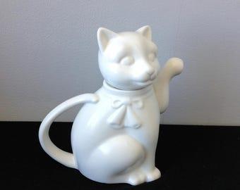 Individual White Chinese Cat Teapot