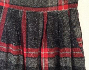1980s plaid pleated skirt size 8