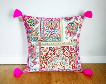 Decorative pillow cover - pink arabesque