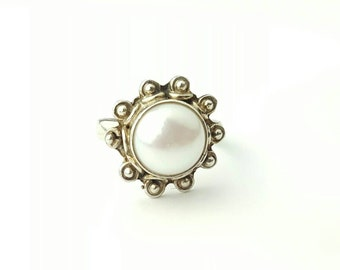 Vintage Sterling Silver and Pearl Sun Ring- Size 7