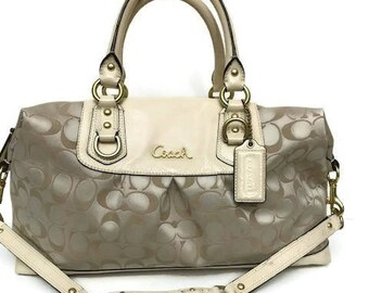 Pretty Cream Large Authentic Coach Bag  leather Shoulder Bag