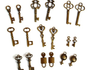 Key charm lot in Antique Bronze color, Assorted Mixed lot of bronze key charms, 18pc lot, Jewelry making, Arts & Crafts, Scrapbooking, Brass