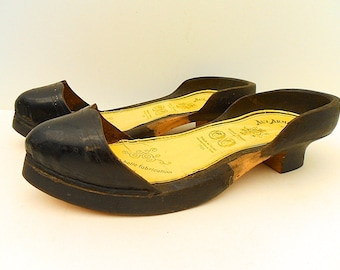 French Vintage Wooden Ladies Shoes (C181)