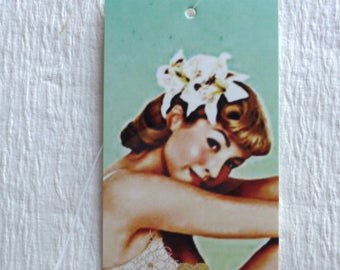 100 PRICE TAGS HANG Tags Retail Tags Boutique Tags Cute Flower  Girl Clothing Tags With 100 Plastic Loops