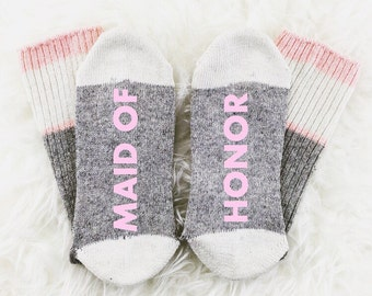 Wine Socks, If You Can Read This Bring Me Wine Socks, Maid Of Honor Socks, Maid of Honor Gift, Photography Prop, bridal photoshoot