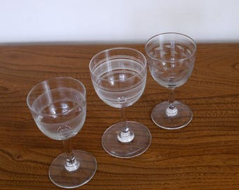 3 x assorted Pall Mall Lady Hamilton sherry or port stemmed glasses, unmatched