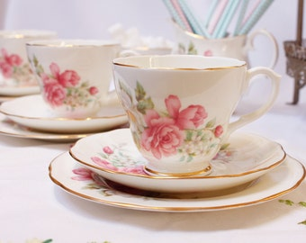 Delighfull DUCHESS  bone china tea set: tea cup, saucer and tea plate.  The prettiest flowers!