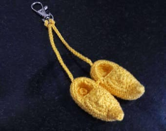 Dutch clogs, clip-on. Cotton crochet hand-made. Present for traveler, souvenir, farmer. Zipper charm