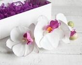 Flower hair piece White orchid hair clip Orchid bridal hair comb Orchid jewelry Bridesmaid gift Tropical hair flower Beach hair accessory
