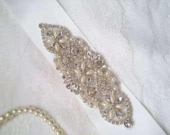 Bridal sash, bridal belt, crystal bridal sash, sash belt, rhinestone sash, crystal sash, wedding dress belt, dress sash,  bridesmaid sash