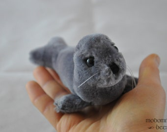 Adorable Vintage Baby Seal Plush Toy; 1983 Dakin Stuffed Animal