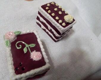 Cake Salt and Pepper Set