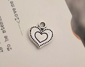 20 antique silver heart charms heart shaped charm pendant pendants  (L04)