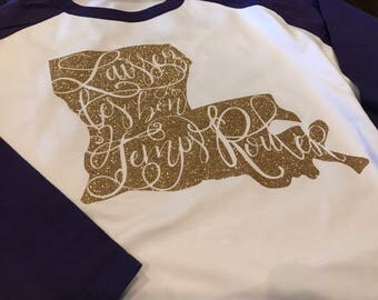 Laissez les Bon Temps Rouler Louisiana Design in Glitter on Next Level Raglan