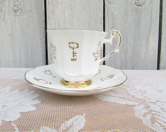 Tea Leaf Reading Teacup, Red Rose Tea, Cup of Fortune, Tasseomancy, Tasseography, Tea Cup Fortune Teller, Psychic Gift, Gift for Her