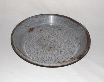 """Grey enamel vintage pie tin,metal 10"""" pie plate,enamelware, enamel cookware,grey pie plate,rustic kitchen decor,farmhouse,metal pie tin"""