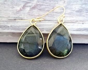 labradorite,labradorite earrings,gold earrrings,labradorite jewelry,gold jewelry,naturstone,