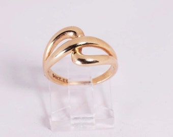 14K Yellow Gold Ring, size 6