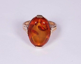 14K Yellow Gold Ring with Amber, size 5.5