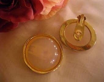 Vintage bakelite earrings by Les Bernard