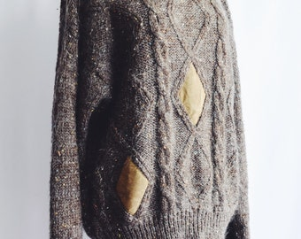 Sweater wool Brown with patches to camel.