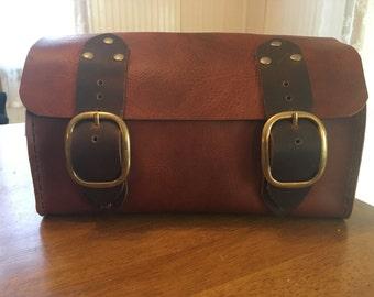 Handmade Two-Tone Leather Travel case / Shaving kit / Dopp kit bag -- Antique saddle Tan & Chestnut Brown