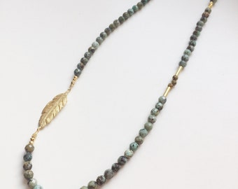 Turquoise feather necklace | Beaded necklace | Bohemian Nomad | Gemstones jewelry | Gift | Long chain gold