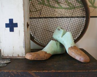 vintage plastic shoe lasts / green shoe forms / men's size 11.5 / shoe forms / stretchers / cobblers