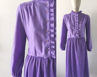 vintage 1970s dress · purple ruffle · pleated skirt