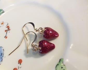 Cute little strawberry earrings, gold plated.