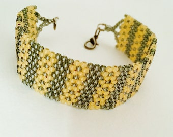 Beaded bracelet gold/black