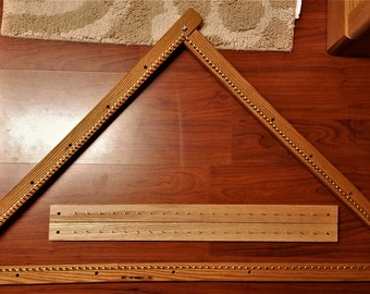 Tri-Loom for weaving trianangular shawls - Hand made item