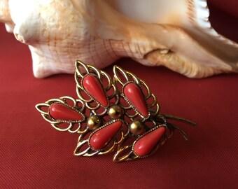 Vintage Brooch with Red Stones, 1930's Brooch, Leaf Brooch, Vintage Brooch