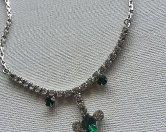 Vintage simulated emerald glass necklace
